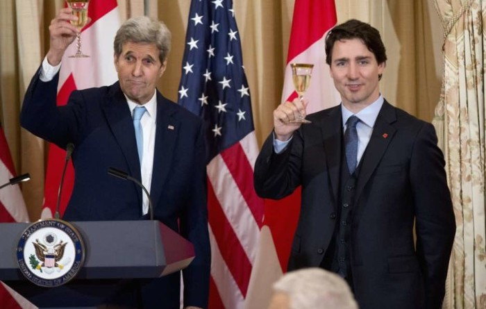 Secretary of State John Kerry makes a toast with Canadian Prime Minister Justin Trudeau during a luncheon meeting at the State Department in Washington, Thursday, March 10, 2016.   (AP Photo/Manuel Balce Ceneta)