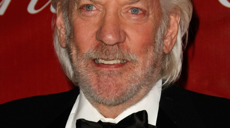 PALM SPRINGS, CA - JANUARY 06:  Actor Donald Sutherland arrives at the 20th anniversary of the Palm Springs International Film Festival Awards Gala presented by Cartier held at the Palm Springs Convention Center on January 6, 2009 in Palm Springs, California.  (Photo by Michael Buckner/Getty Images)