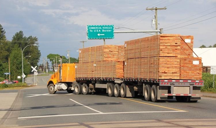 canada luumbersoftwood-truck-web.jpg__0x500_q95_autocrop_crop-smart_subsampling-2_upscale
