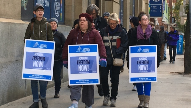 college-faculty-on-strike