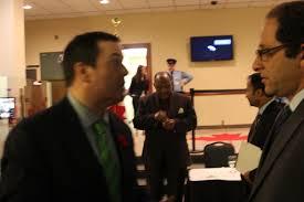 """علی احساسی - سمت راست و جیسون کنی وزیر مهاجرت هارپر سمت چپ - اتاوا - سال 2015 - عکس """" سعید سلطانپور"""
