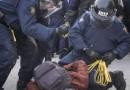 درگیری و دستگیری در تجمع ضد مهاجران با ضد فاشیست ها در برابر پارلمان کانادا